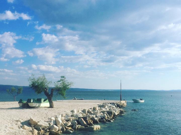 Diseño de Sharona - 5 Great Summer Beaches in Europe - Neelie's Next Bite