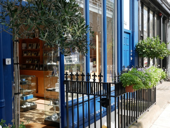 Notting Hill: An Off-Trail Afternoon Stroll - Neelie's Next Bite
