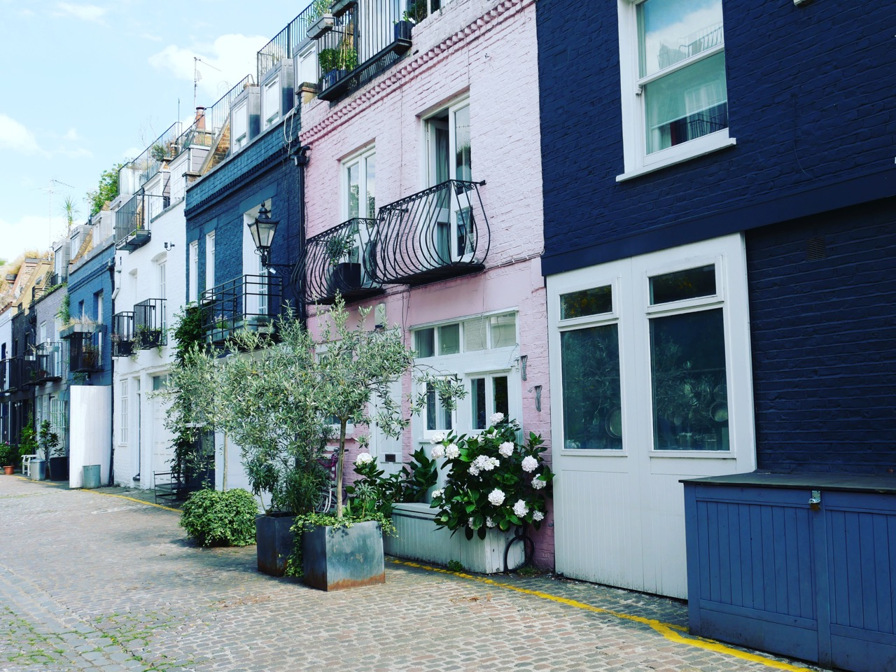 Notting Hill: An Off-Trail Afternoon Stroll