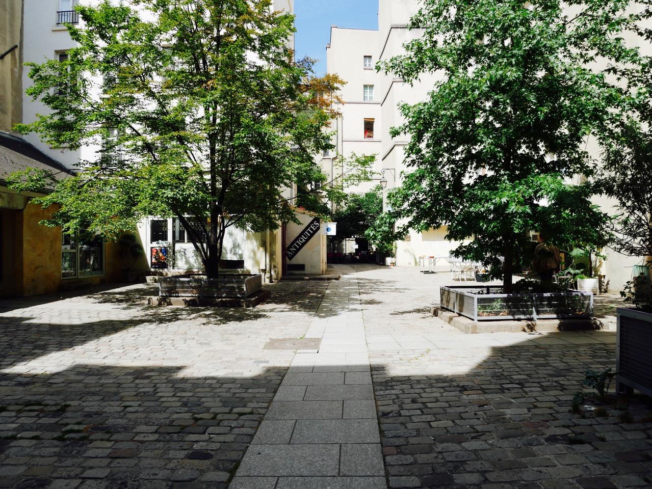 Secret Paris: Le Village Saint-Paul